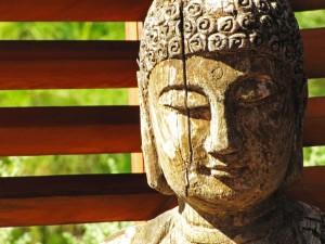 Rainer Sturm / pixelio.de Buddha-Kopf leicht gealtert